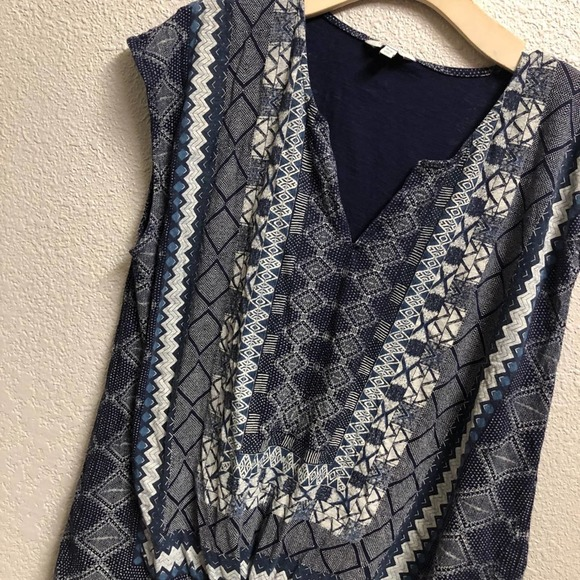 4/$25 Lucky Brand top shapes tank tie knot vneck